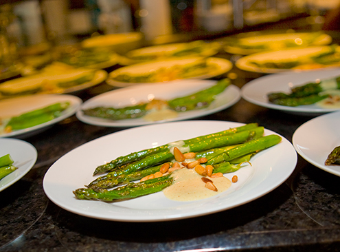 asparagus with pinenuts